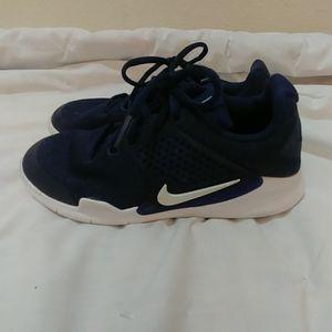 Boys Nike 'Arrowz' size 1Y
